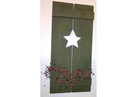 x2 star cut out hanging rustic shutters